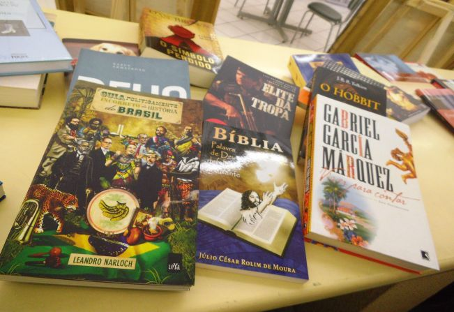 Resultado de imagem para troca de livros biblioteca de itapetininga